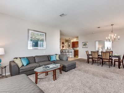 Photo for Beautiful lakeview deluxe condo minutes from Universal Studios!