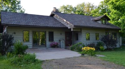 Cottage On the WABANA Chain of LAKES/ KAYAKS/YARD/FIRE PIT