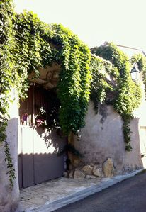 Photo for Cozy room next to Nimes la Romaine
