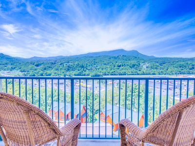 Photo for Pinnacle Condo, 2 Bedrooms, Mountain View, Indoor Pool, WiFi, Sleeps 4