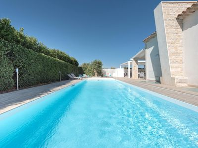 Photo for Modern villa with pool and gym, just 2km from the beach.