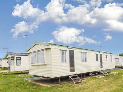 Photo for 3 bed, 8 berth mobile home to hire at St Osyth, Clacton-on-sea, Essex ref 28015