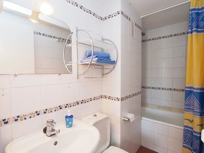 Photo for Apartment in Roses with Lift, Internet, Washing machine, Pool (88163)