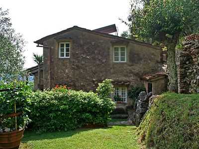 Photo for 2 bedroom Villa, sleeps 3 in Luciano with WiFi