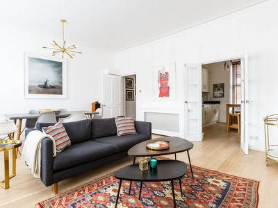 Photo for 2 bed 2 bath near West Ken w/designer interiors