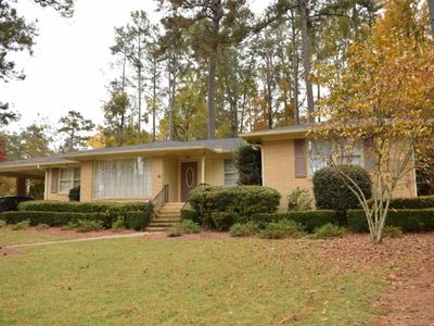 Three Night Minimum! 5 Bed 3 Bath House Only One Mile From The Augusta National