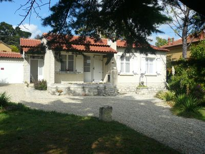 Photo for Comfortable holiday house close to the city center of Vaison la Romaine