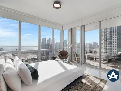Photo for Sextant | Downtown High Rise #4 | 10 mins to South Beach
