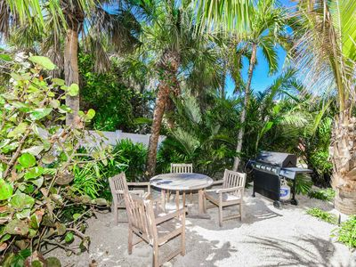 Photo for Tropical Breeze Resort - AMAZING List of Amenities Included. Studio Suite w/ Full Kitchen - Daily Housekeeping - Located in Siesta Key Village - Short Walk to Beach.