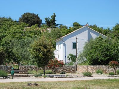 Photo for Detached house with private garden and barbecue -pet friendly,