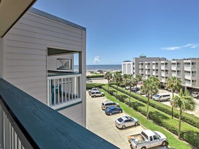 Photo for NEW-Top Floor Galveston Beach Condo w/ Ocean Views