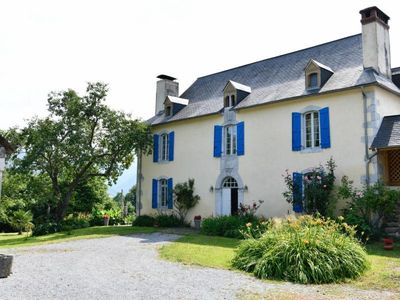 Photo for Gite Asson, 5 bedrooms, 10 persons