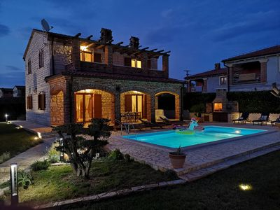 Photo for Wonderful Istrian family villa for 10 persons, Pool, BBQ, Tennis court