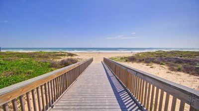 ANOTHER BEAUTIFUL OCEAN VIEW CONDO WITH BEACH ACCESS!!! Unit 403