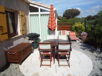 Photo for Comfortable,  airconditioned holiday cottage 100 meters from the beach