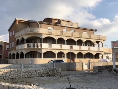 """Photo for Apartment """"Kata"""" with air conditioning and WiFi ** DIRECTLY BY THE SEA ** Island VIR App. 1"""