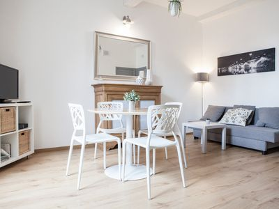 Photo for Lovely renovated apartment in city center + carpark