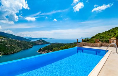 Photo for Stylish Villa Albatross with Infinity Pool & SeaViews Now With 10%Off Until 18/7