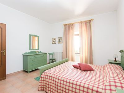 Photo for Apartment in the center of Piane di Collevecchio with Parking, Internet, Washing machine, Pool (118961)