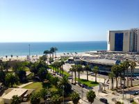 When attending a conference at the Enjoy hotel, this proved to be a perfectly located apartment! The