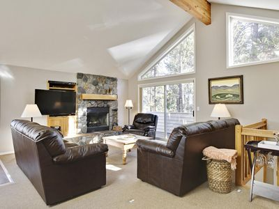 Photo for Nice home near Sunriver Market Place w/ WiFi, Hot Tub, Gameroom & Sharc Passes