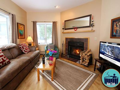 Premium condo with fireplace, on site spa & fitness center Woods Resort 4