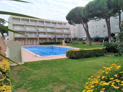 Photo for Zaza Apartment, less than 200m from the beach Riells, Pool, Parking, 4pax
