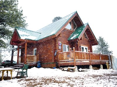 Photo for Charming log cabin in the mountains.
