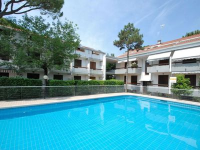 Photo for 2 bedroom Apartment, sleeps 6 in Lignano Sabbiadoro with Pool and Air Con