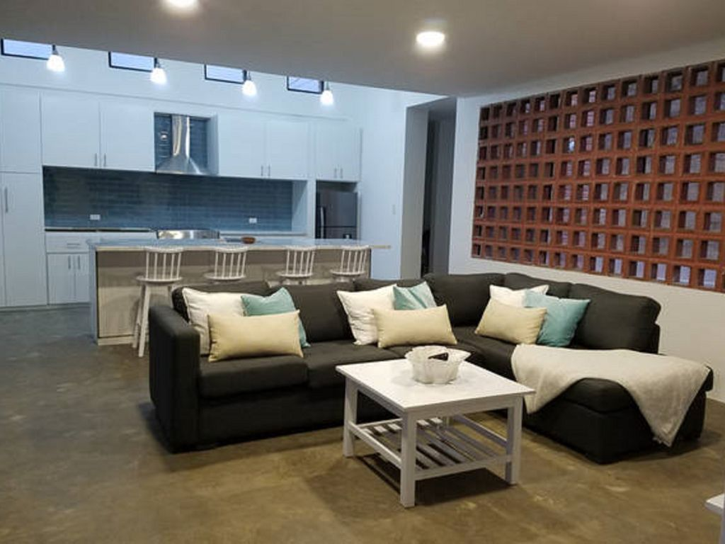Brand new home modern design puerto lopez for Brand new home designs