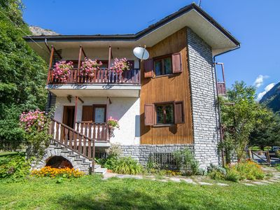 Photo for Detached villa with garage in Antey Saint André, near a ski area.