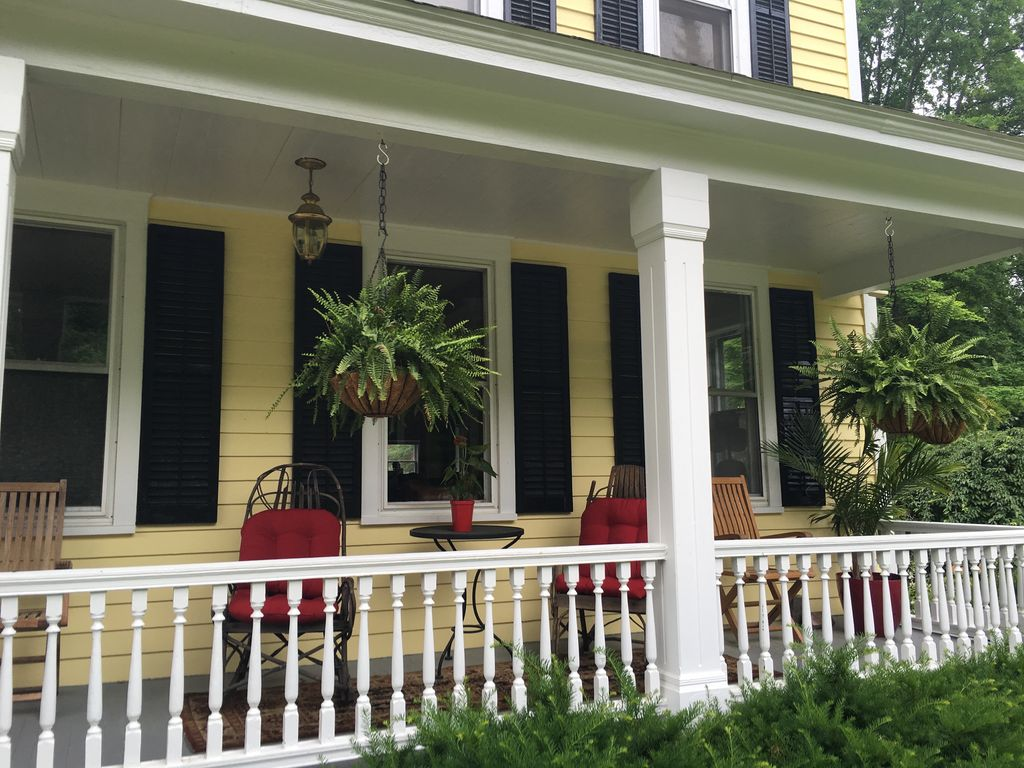 Nicest rental in saratoga county racing s vrbo for Vacation rentals in saratoga springs ny
