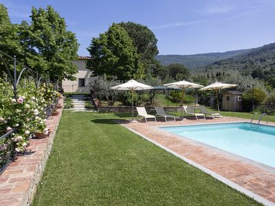 Photo for Private Villa with A/C, WIFI, private pool, TV, patio, panoramic view, parking, close to Cortona