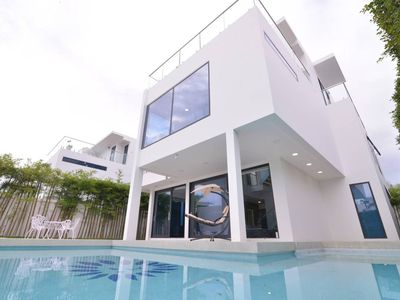 Photo for 5BR Villa Vacation Rental in Chon Buri