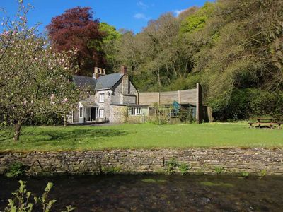 A holiday cottage that sleeps 5 guests  in 3 bedrooms