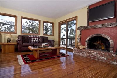Views of Diamond Peak from your living room!