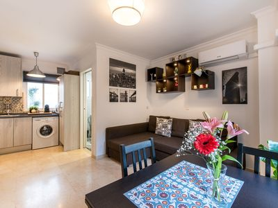 Photo for Central but Quiet Holiday Home with Wi-Fi and Air Conditioning