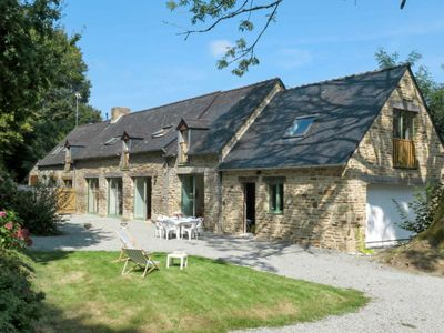 Photo for 4 bedroom Villa, sleeps 6 in Fouesnant with WiFi
