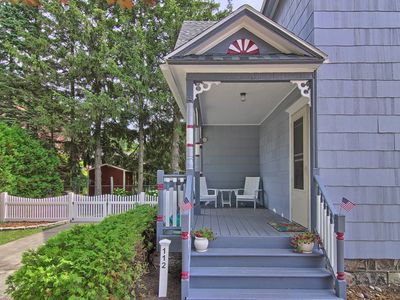 Charming Victorian Beach House, steps from the beach and Main Street!
