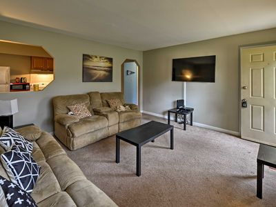 Photo for Chapel Hill Condo-2 Miles to UNC, 8 Miles to Duke!