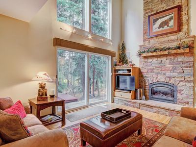 Photo for FREE SkyCard Activities - 3-Level Townhome, Close to Town/Skiing, Private Hot Tub - Peace In The Pin
