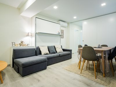 Photo for Madrid centre II Pivileged apartment w/ view on garden in the heart of Madrid