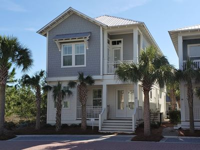 Photo for Spacious 4 bd/3.5 bth Luxurious Home Near Alys & Rosemary W/Tram!