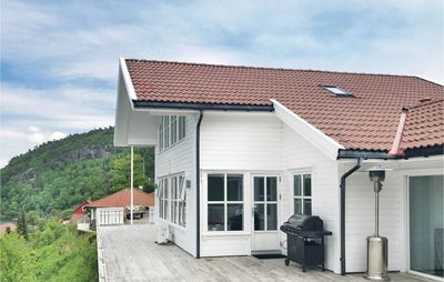 4 bedroom accommodation in Lindesnes