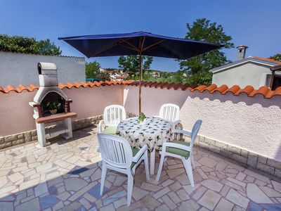 Photo for Great apartment only 600 meters to the beach with kitchen, parking, WiFi