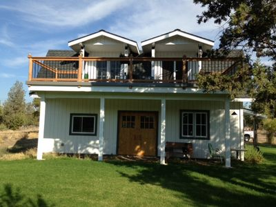 Back view/upstairs deck