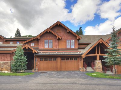 Photo for Rocky Mountain Luxury - Large Ski-in Winter Townhome 6ppl