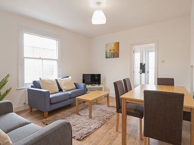 Photo for Spacious 3bed flat in Clapham South, 1 min to tube