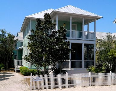 Photo for 3 Houses to Beach, Pet Friendly in Seaside!