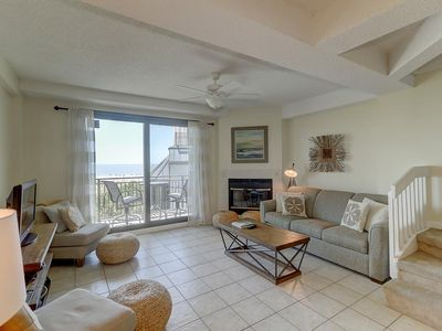 Photo for Amazing Penthouse Ocean Front overlooking Pool! $250 Vayk Gear Credit!